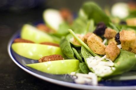 Dlaczego warto jeść wolno i rozkoszować się posiłkiem