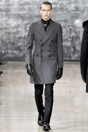 Modny mężczyzna na jesień. Inspiracje od Yves Saint Laurent